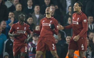 El Liverpool golea al Newcastle y fortalece el liderato