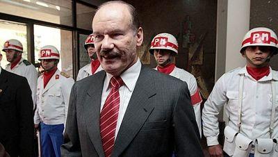 """""""No existen sanciones para quienes no cumplen con el SMO"""", aclaró el ministro de Defensa Nacional"""