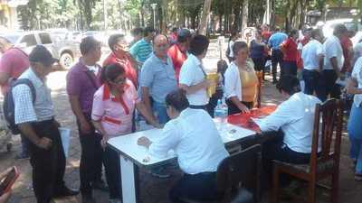 Funcionarios de la Municipalidad de Ciudad del Este cobraron hoy salario del mes de noviembre