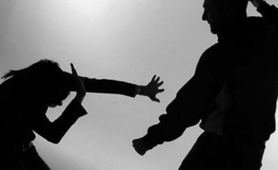 Hombre aprehendido por agredir y amenazar a su pareja