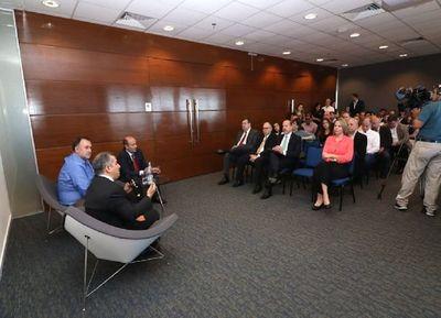 Ejecutivo plantea diálogo directo a empresarios para reforma tributaria