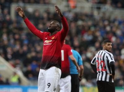 Manchester United llega a su cuarto triunfo al hilo