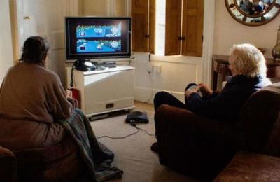 Matrimonio lleva 18 años jugando Mario Kart a diario para decidir quién prepara el té