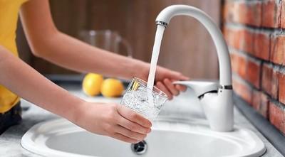 Consumo de agua contaminada puede producir desde gastroenteritis hasta cáncer