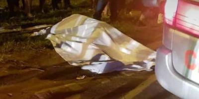 Joven fallece en carrera clandestina al chocar contra camioneta