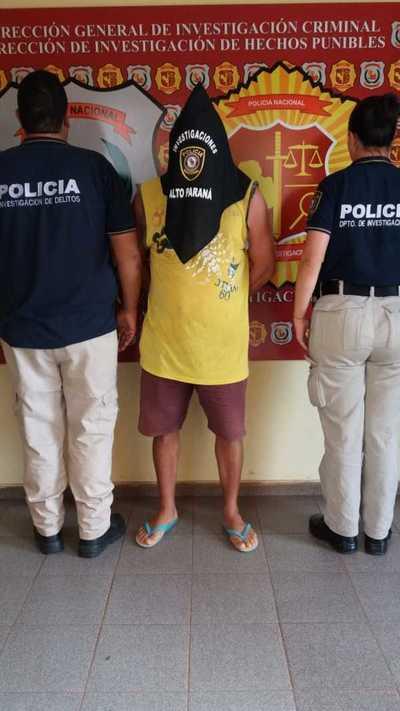 Imputan a expolicía detenido con documento brasilero falso