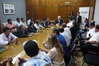 MOPC prohíbe definitivamente ingreso de camiones bitrenes