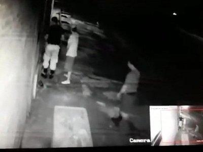 Recluso denunció a un comisario y tres policías por robar en su casa