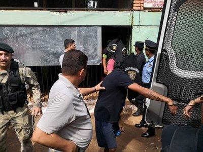 Con fuerte dispositivo de seguridad, Paraguay expulsa a brasileños