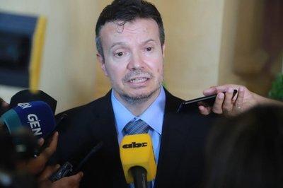 Arregui niega haber investigado a José Alderete