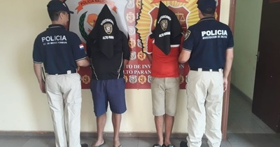 Caeos dos sospechosos tras ser reconocidos por víctimas de robo
