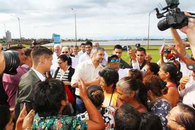 Gobierno entregó aportes sociales a diferentes instituciones de Itapúa