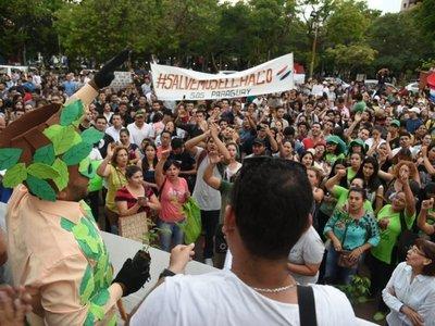 Cientos de personas se movilizan contra la deforestación en el Chaco
