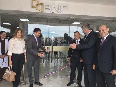 Inauguran nueva sucursal del BNF en San Lorenzo