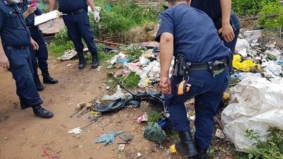 Barrio Santo Tomás: Dentro de un pozo ciego encontraron moto supuestamente robada
