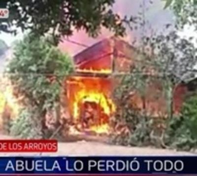Incendio consume casa de una abuela en San José