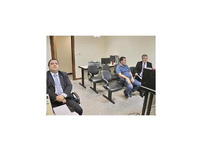 Juez Amarilla rechaza recursos en proceso al ex ministro Bajac
