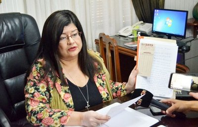 Hurreros de ZI amenazan a interventora de comuna esteña