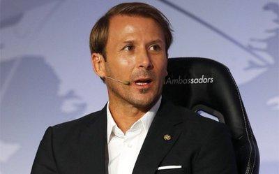 """Gaizka Mendieta: """"El fútbol es una potente herramienta social"""""""