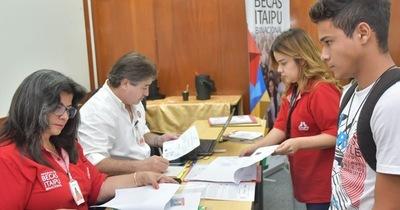 Interesados en Becas de Itaipú pueden inscribirse hasta el 21 de enero