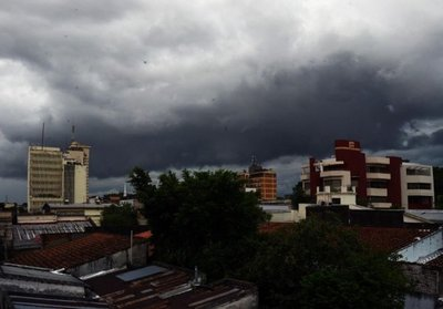 Núcleo de tormentas sobre ocho departamentos