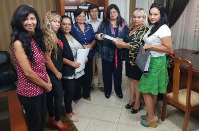 Entregan 52 denuncias contra  gestión de Zacarías