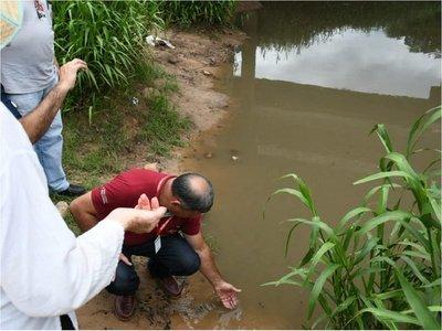 Cierran ruta en Paraguarí para exigir intervención en arroyo Caañabé