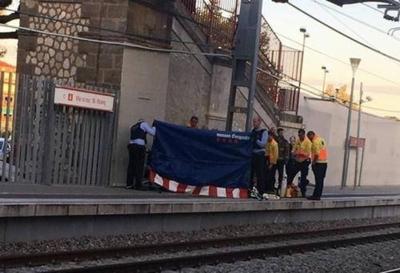 HOY / Desmienten que paraguaya fue empujada a las vías del tren en España
