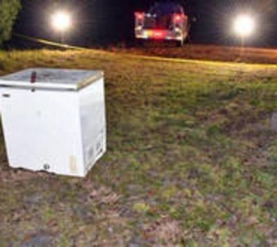 Encuentran a tres niños muertos en un freezer