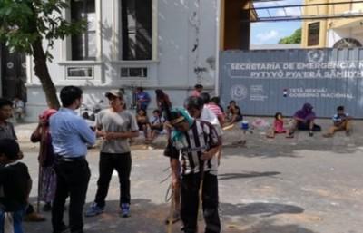 Niños indígenas internados con cuadro de deshidratación