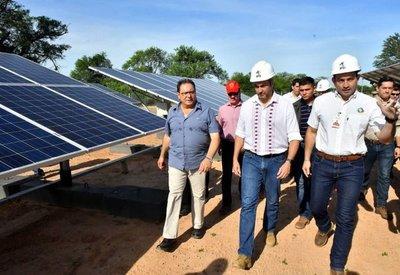 Itaipú inaugura en el Chaco planta de energía solar de 800.000 dólares
