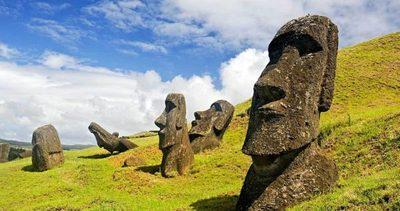 """El paraíso misterioso de los """"moai"""""""
