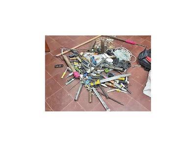 Incautan armas y celulares en la Penitenciaría de San Pedro
