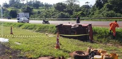 Hombre fallece tras vuelco de vehículo en Yguazú
