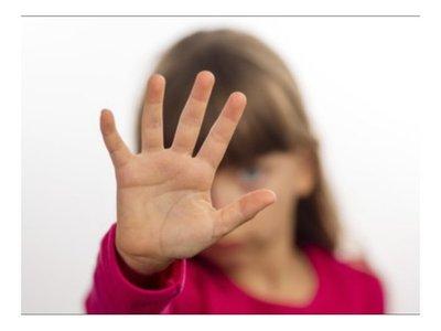 Golpeaba con varilla a su hija de 7 añitos