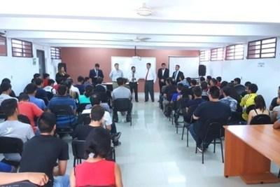Itaipú dispone de 2.000 becas para carreras universitarias e inglés