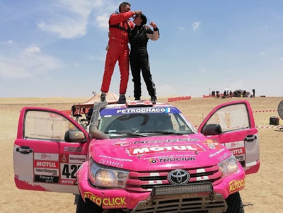 Andrea Lafarja hace historia en el Rally Dakar