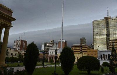Meteorología pronostica un viernes con ambiente caluroso e inestable