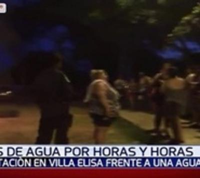 Protesta vecinal por falta de agua en Villa Elisa