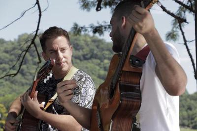 """El éxito """"Mamáma"""", de Néstor Ló y los Caminantes estrena videoclip"""
