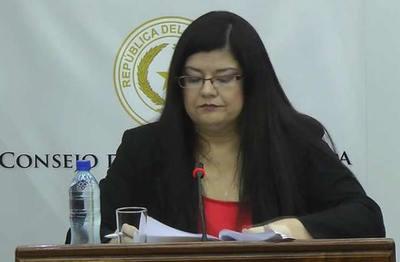 Presentan denuncia contra Carolina Llanes por lesión de confianza