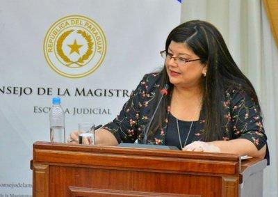"""Zacarías: """"Llanes saca funcionarios discapacitados y mete operadores políticos"""""""