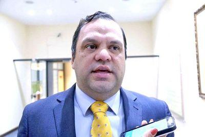 Varela niega, pero planilla confirma jugoso sueldo de su guardaespaldas