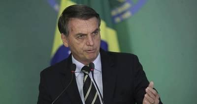 """Bolsonaro pide a Venezuela que no """"dé guarida"""" a los """"terroristas"""" del ELN"""