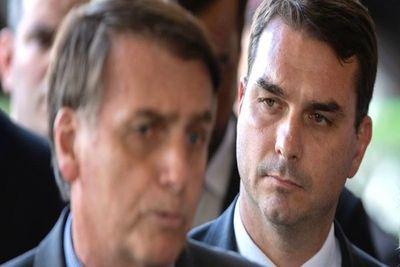 """Involucran a hijo de Bolsonaro en depósitos """"sospechosos"""""""