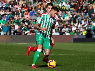 Betis triunfa en el epílogo sobre Girona
