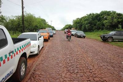 Iniciaron asfaltado de varios tramos de un paquete de 370 kilómetros