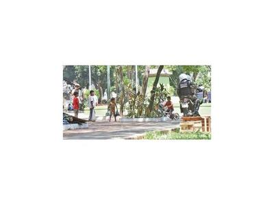 Plantean espacios lúdicos  en plazas para dar seguridad a niños nativos