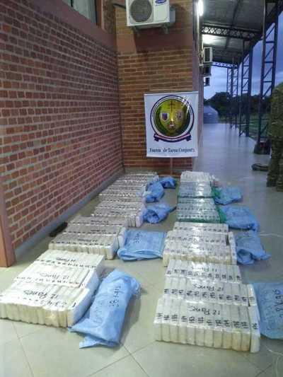 Abandonan 400 kilos cocaína