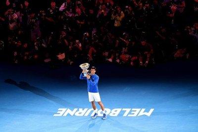 Djokovic escribe la historia en Australia